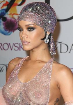 Rihanna02.jpg